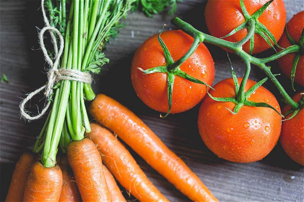 lutein and lycopene